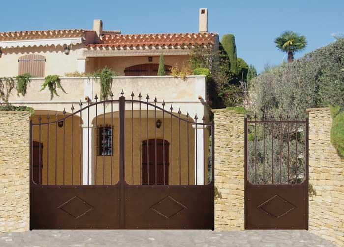 peindre portail fer perfect le portail durandal est soit battant soit coulissant il est. Black Bedroom Furniture Sets. Home Design Ideas